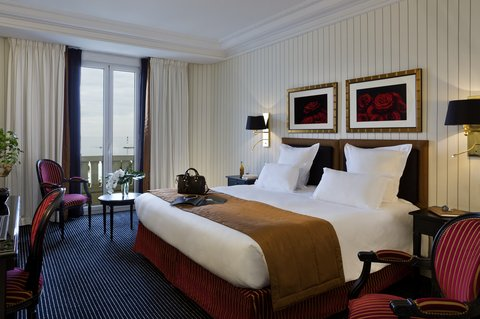 Hotel Majestic Barriere - Deluxe Room with Partial Sea View