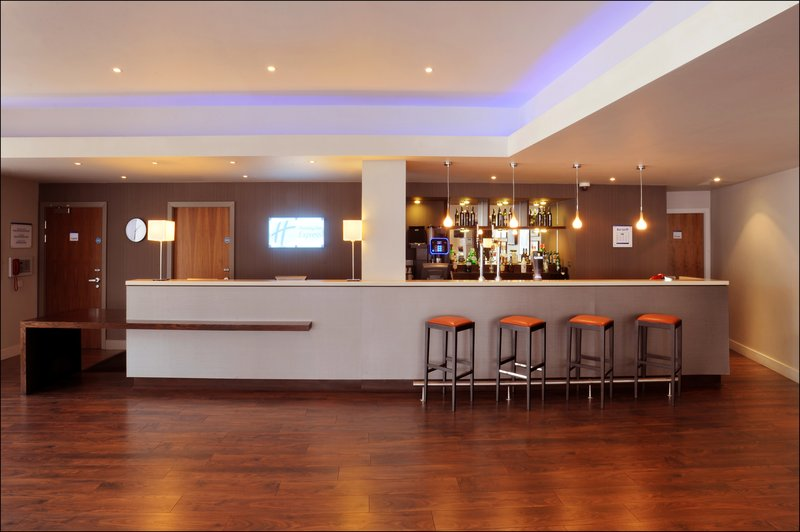 Holiday Inn Express Liverpool - Hoylake Lobby