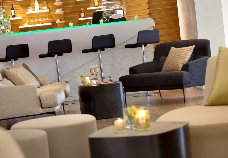 Renaissance Aix-en-Provence Hotel Bar/Lounge