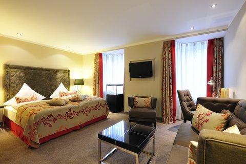 Kastens Hotel Luisenhof - Deluxe Room at Kastens Hotel Luisenhof Hanover