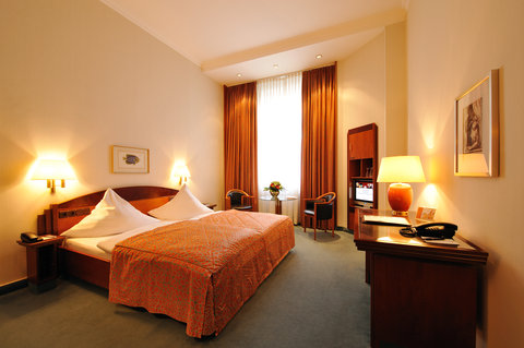 Kastens Hotel Luisenhof - Standard Room at Kastens Hotel Luisenhof Hanover