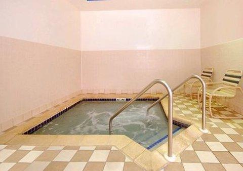 Comfort Inn & Suites Kenosha - Guest Room