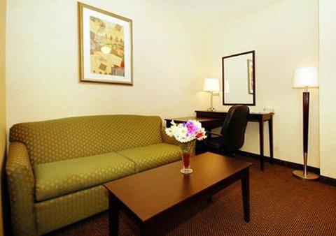 Comfort Inn & Suites Kenosha - Interior