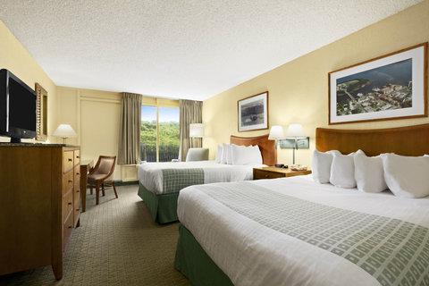 Ramada Plaza Nags Head Oceanfront - Pet friendly guest room