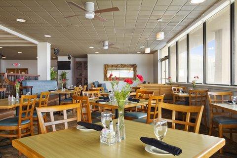 Ramada Plaza Nags Head Oceanfront - Peppercorns Oceanview dining