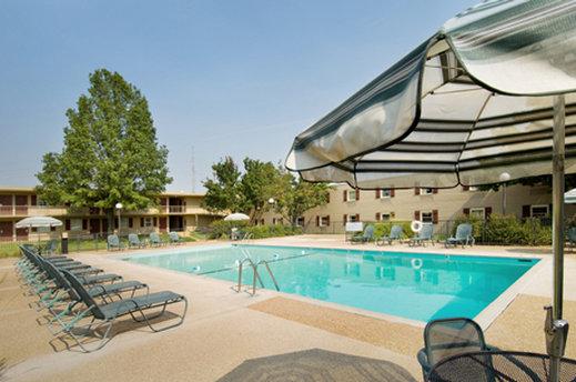 Drury Lodge - Cape Girardeau Zwembadaanzicht
