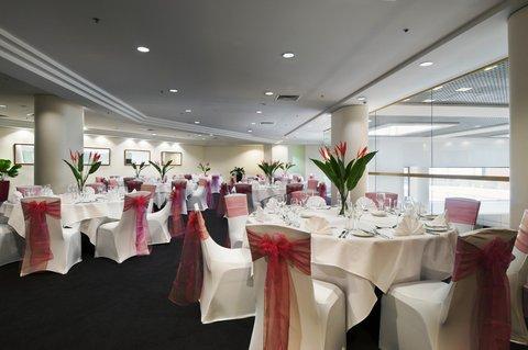 Hilton Darwin - Signatures Room