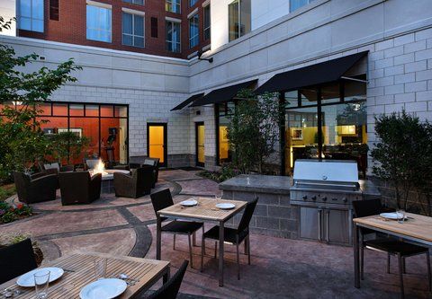 Residence Inn Little Rock Downtown - Outdoor Grilling Area