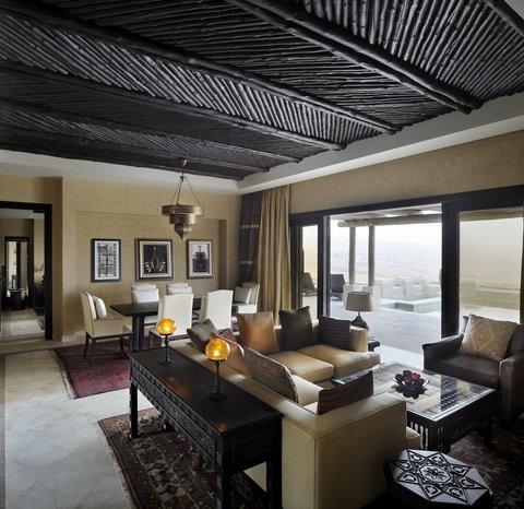 أنتارا قصر السراب منتجع الصحراء - Villa Living Room