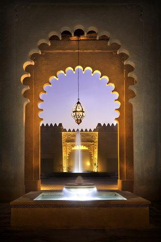 أنتارا قصر السراب منتجع الصحراء - Spacious Central Court Yard