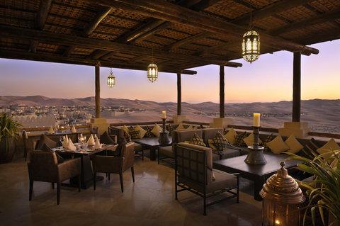 أنتارا قصر السراب منتجع الصحراء - Panoramic Desert Views From Suhail Restaurant