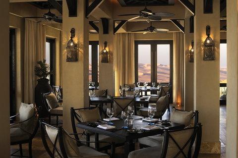 أنتارا قصر السراب منتجع الصحراء - Ghadeer Restaurant Indoor Dining
