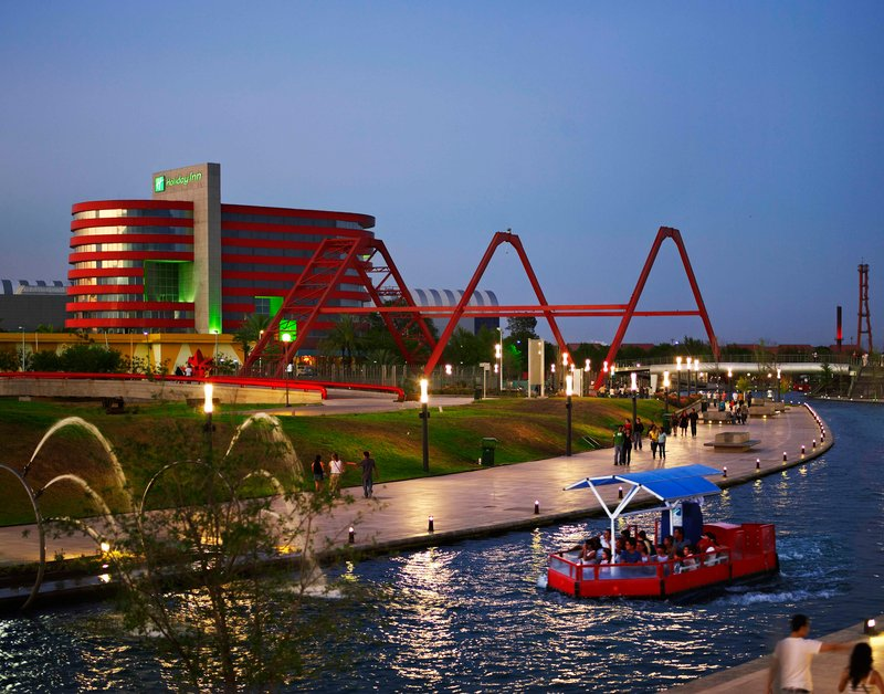 Holiday Inn Monterrey-Parque Fundidora Vista esterna