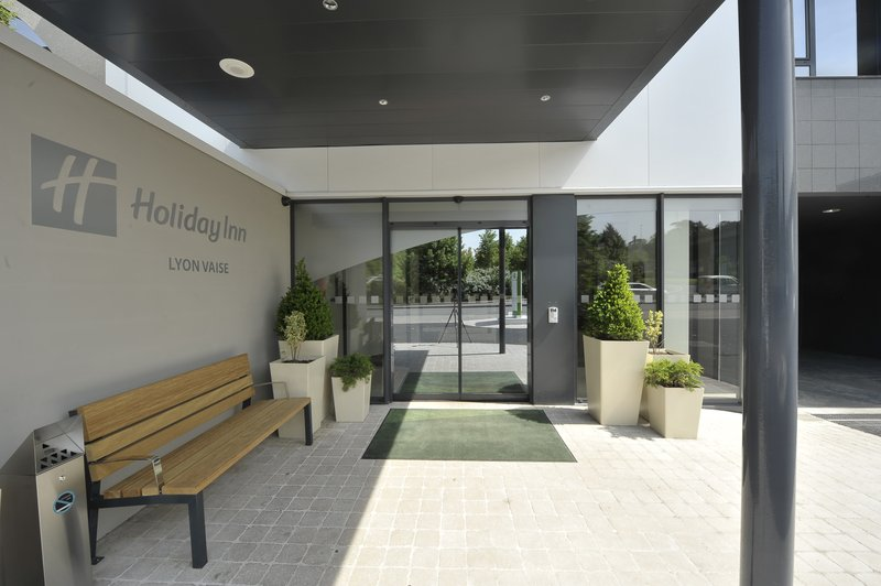 Holiday Inn Lyon-Vaise Exterior view