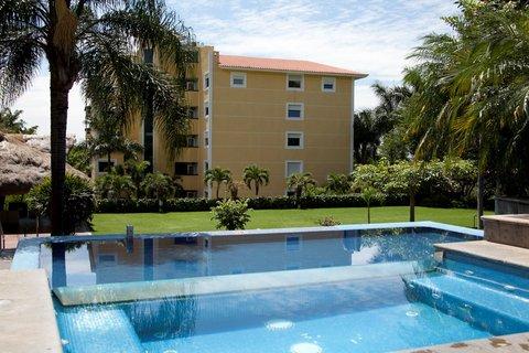 Holiday Inn Cuernavaca Hotel - Courtyard garden and second pool