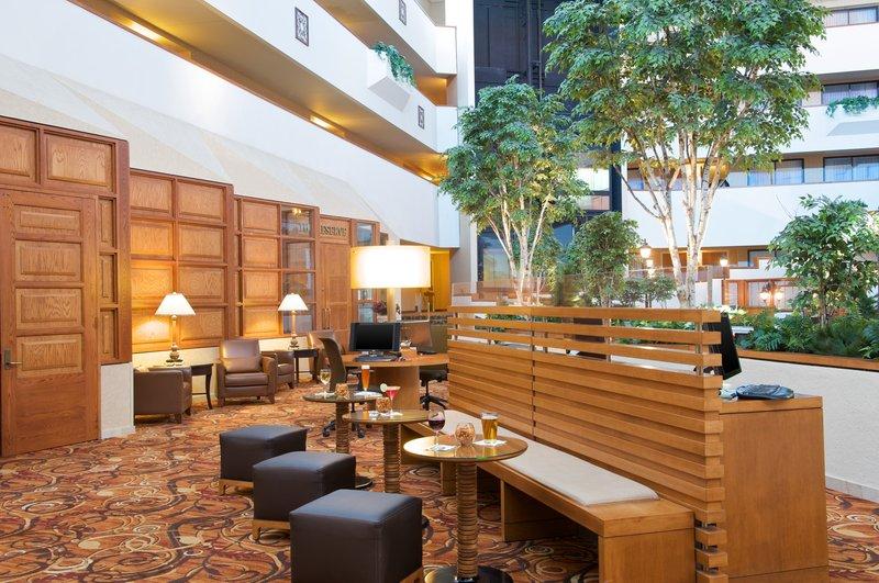 sheraton minneapolis west hotel in hopkins mn 55305. Black Bedroom Furniture Sets. Home Design Ideas