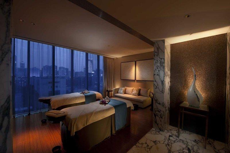 广州天河新天希尔顿酒店 康体区域
