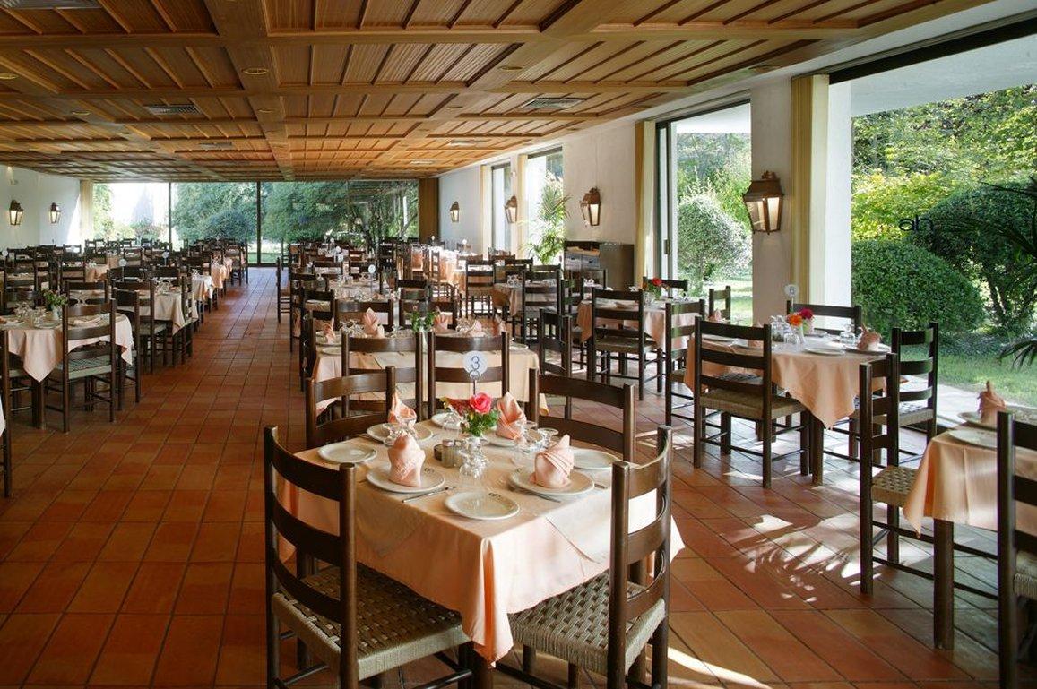 Ofertas de viajes a archea olimpia for Piscina hotel olympia