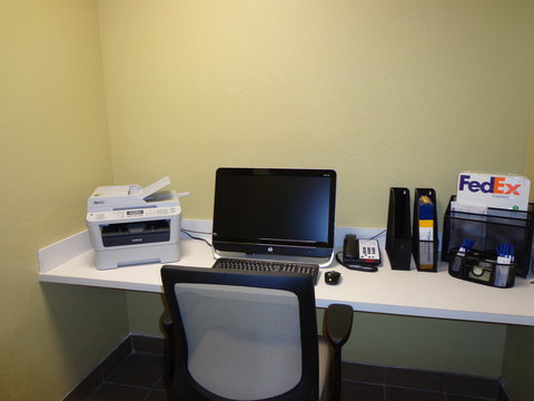 Candlewood Suites Odessa Hotel - Business Center