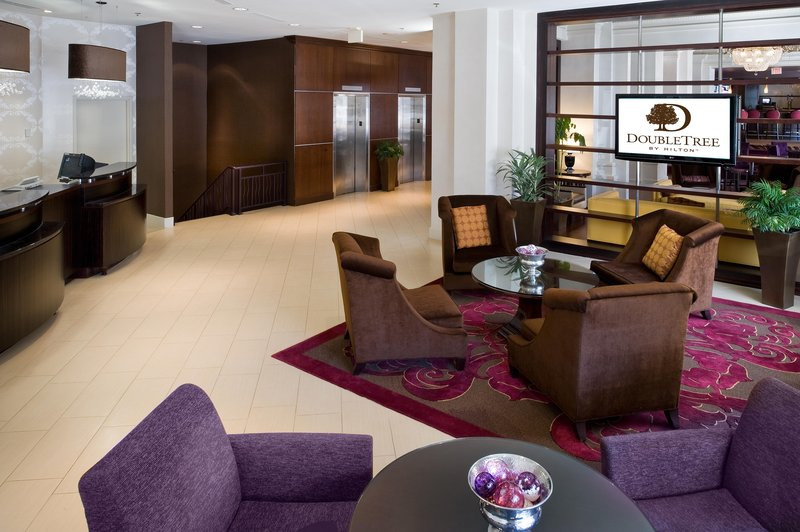 Doubletree Hotel Washington DC Lobby