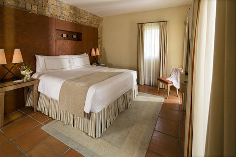 Terre Blanche Hotel Spa Golf - Premier Suite King Bedroom