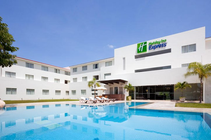 Holiday Inn Express Playacar Riviera Maya Fasad