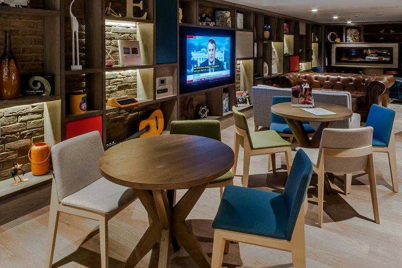 Holiday Inn Camden Lock Bar/lounge