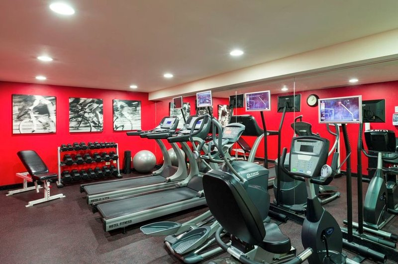 Holiday Inn Express NYC Manhattan Chelsea Area Fitness club