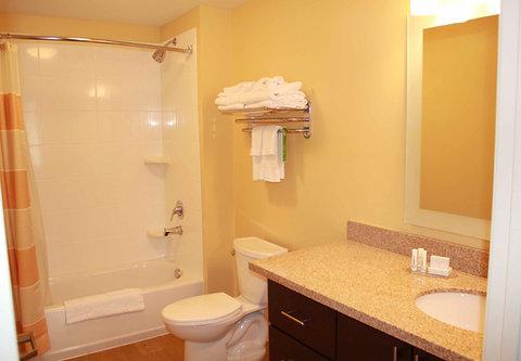 TownePlace Suites Richland Columbia Point - Suite Bathroom