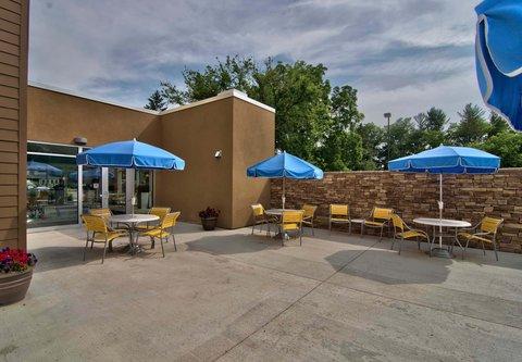 Fairfield Inn & Suites Towanda Wysox - Outdoor Patio