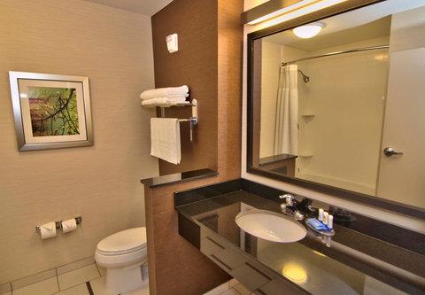 Fairfield Inn & Suites Towanda Wysox - Queen Guest Room Bathroom