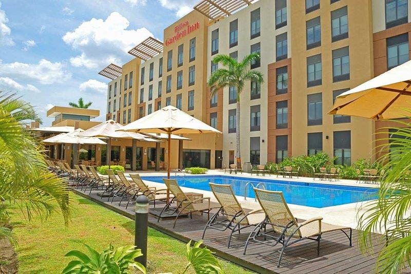 Hilton Garden Inn Liberia Airport Kilátás a medencére