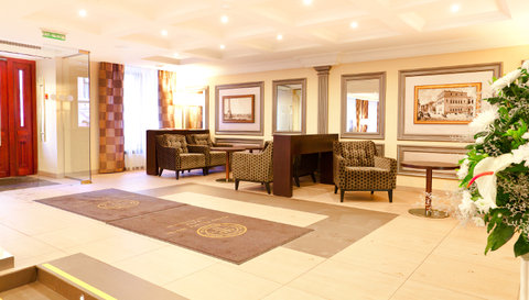 Petro Palace Hotel - Interior