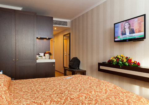 Petro Palace Hotel - Guest Room