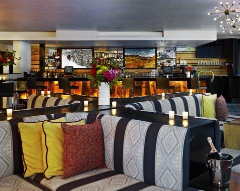 Sky Hotel a Kimpton Hotels - 39 Degrees Lounge
