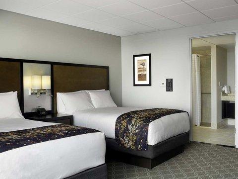 Doubletree by Hilton Cedar Rapids Convention Complex - Accessible Double Bedroom