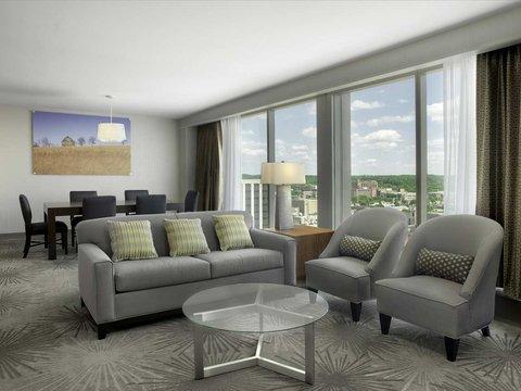 Doubletree by Hilton Cedar Rapids Convention Complex - Accessible Suite