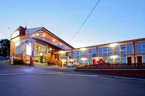Wellers Inn Motel and Function Centre - Exterior entrance