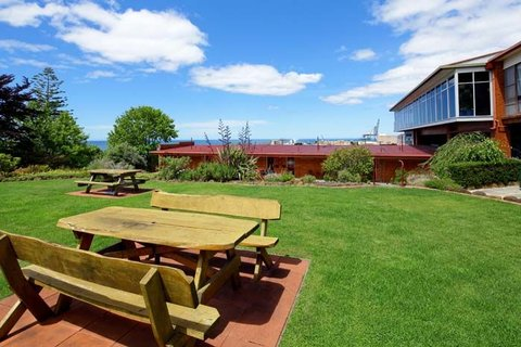 Wellers Inn Motel and Function Centre - Garden