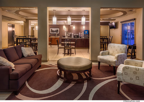 BEST WESTERN PLUS Chena River Lodge - Complimentary Breakfast