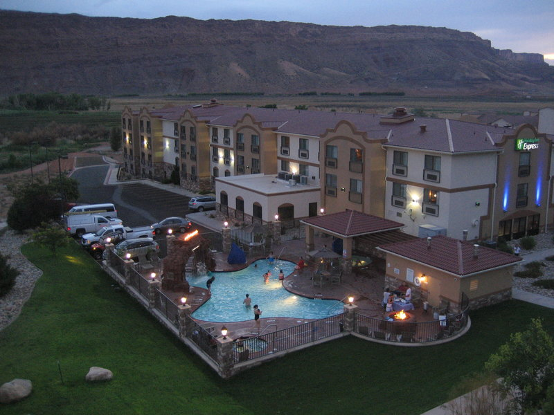 Holiday Inn Express Hotel & Suites Moab Poolansicht