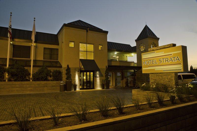 HOTEL STRATA MTN VIEW