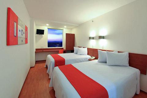 One Queretaro Aeropuerto - Superior Room  2 Double