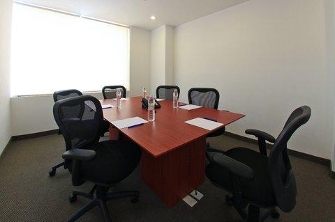 One Queretaro Aeropuerto - Meeting Room