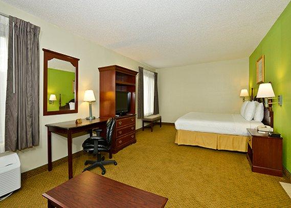 Quality Inn - Warsaw, NC