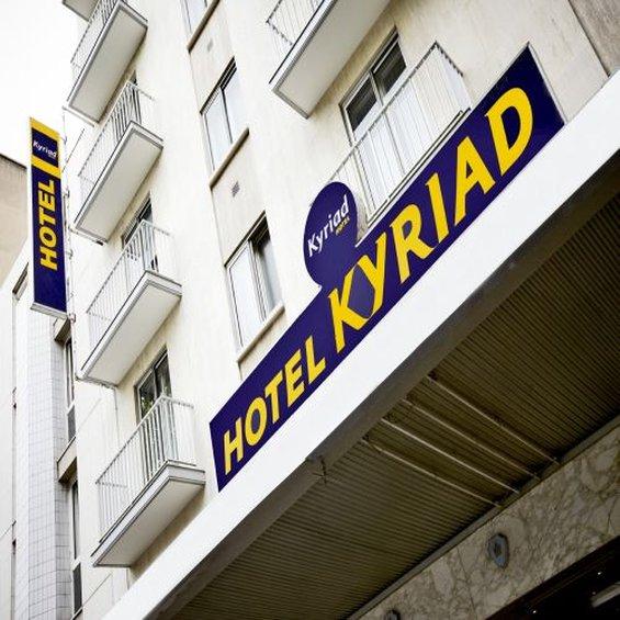 Kyriad Tours Centre Außenansicht