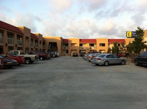 Express Inn and Suites - Exterior