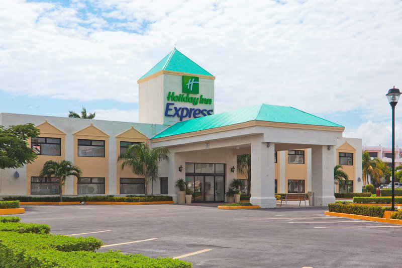 Holiday Inn Express Cancun Zona Hotelera Fasad