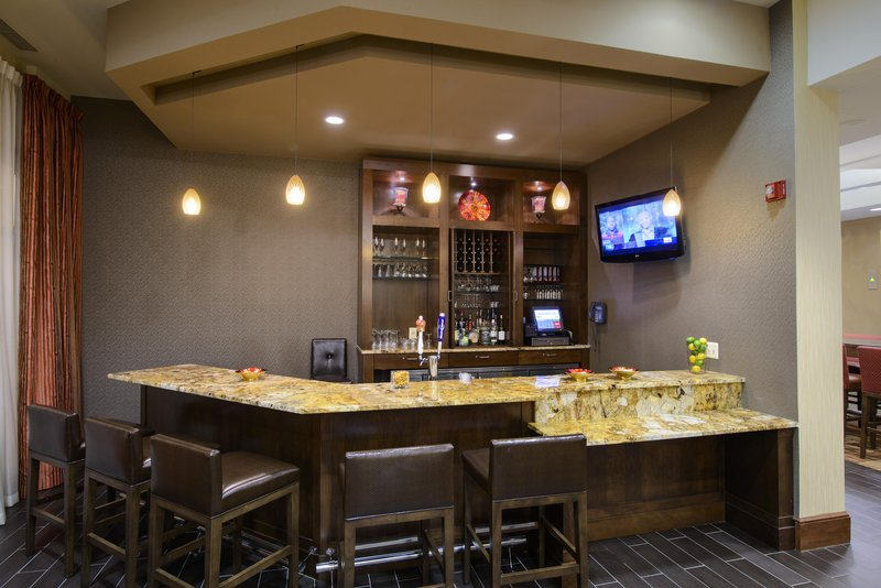 Hampton Inn Washington, DC- Convention Center 酒吧/休息厅