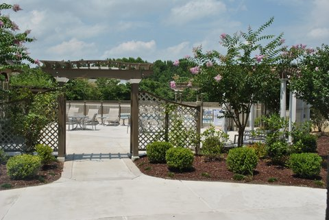 DoubleTree by Hilton Fayetteville - Arbor Entrance To Pool Area